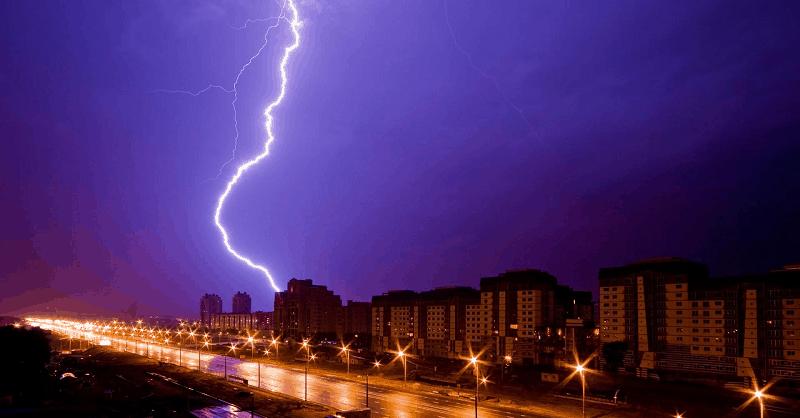 building_street_night_rain_lightning_hd-wallpaper-60050